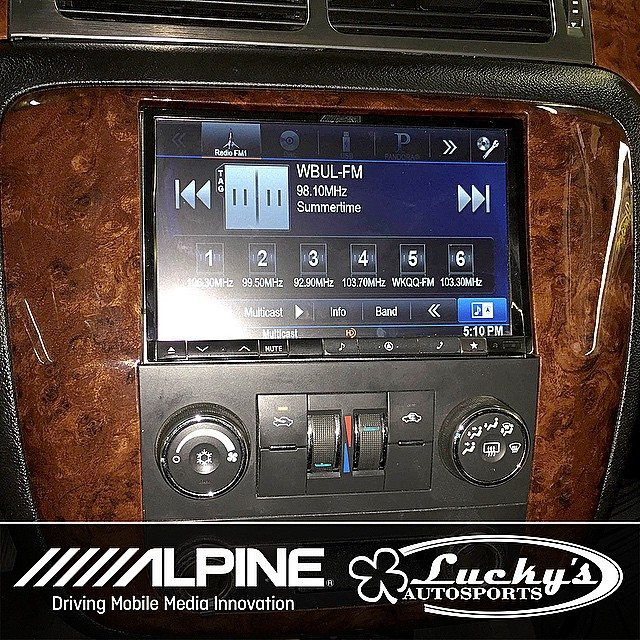 custom fit dash kits by alpine with an 8 alpine double din in the dash of a 2010 gmc yukon. Black Bedroom Furniture Sets. Home Design Ideas